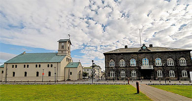 Alþingishúsið og Dómkirkjan