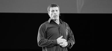 Mynd af Tony Robbins