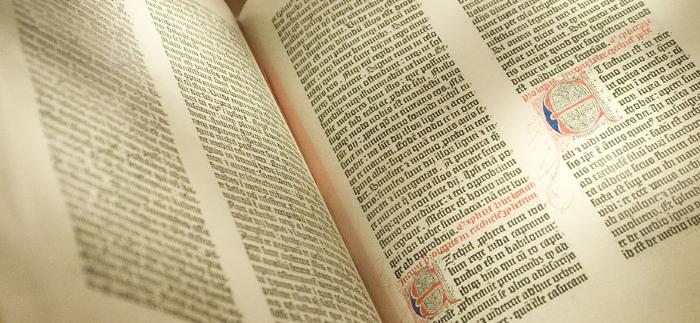 Mynd af biblíunni
