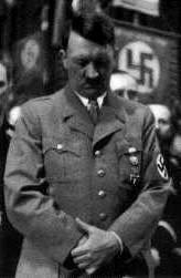 Hitler fer með bæn.