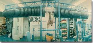 Chinmoy lyftir 3000 kílóum með einni hendi